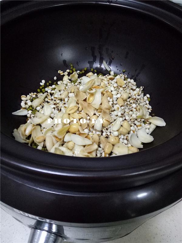 绿豆薏仁百合汤的简单做法