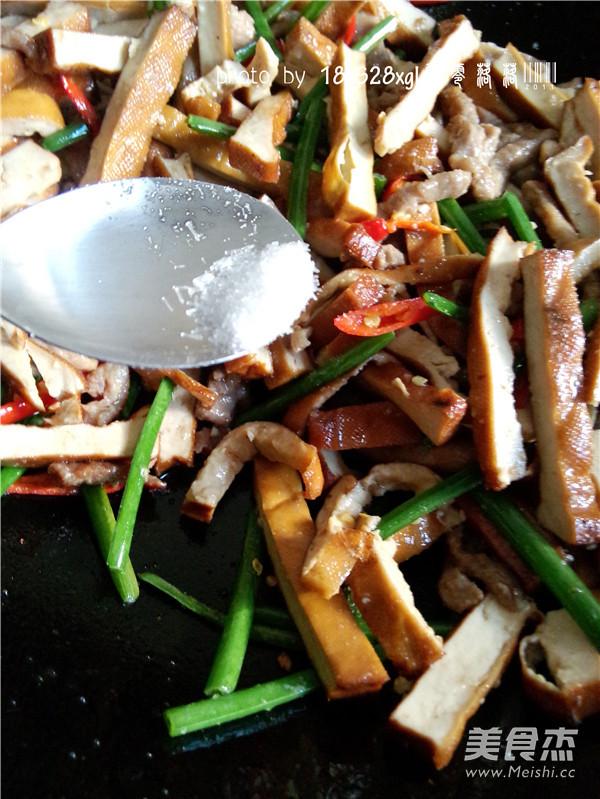 韭菜豆腐干肉丝怎么炖