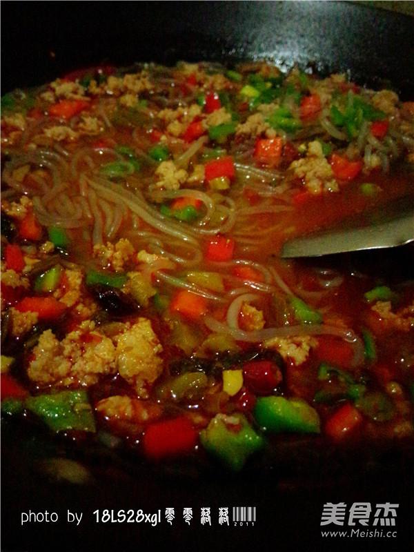 酸菜肉末煲粉条怎样炒