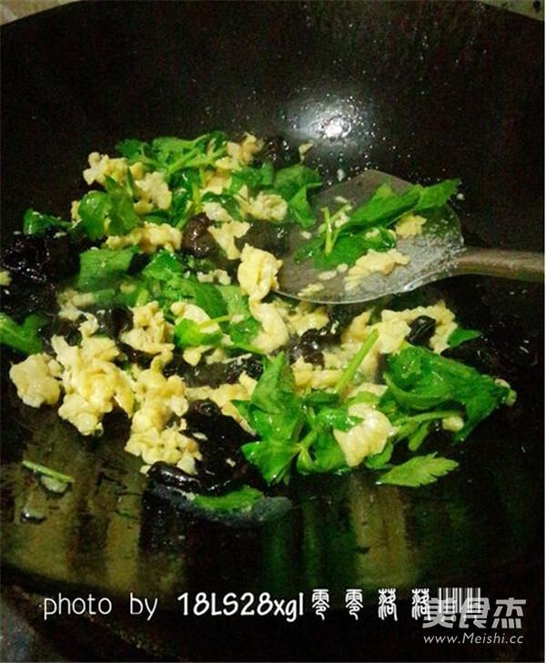 木耳炒鸡蛋怎么煮