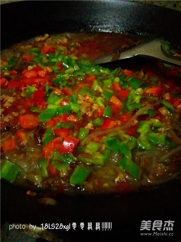 酸菜肉末煲粉条怎样做