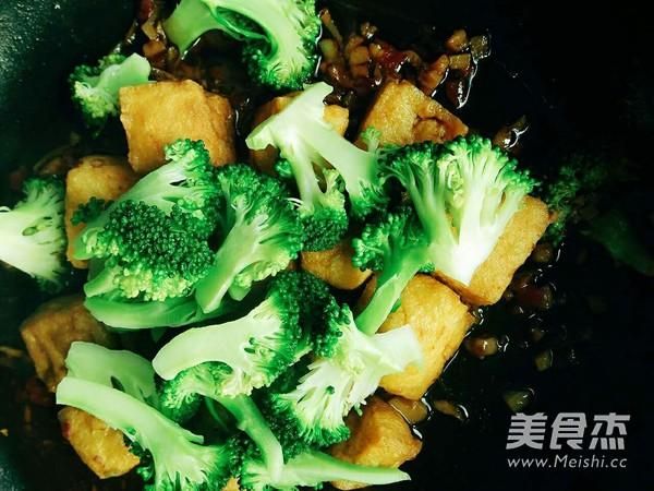 油豆腐烧西兰花怎么炒