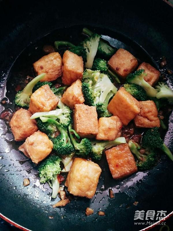 油豆腐烧西兰花怎么煮