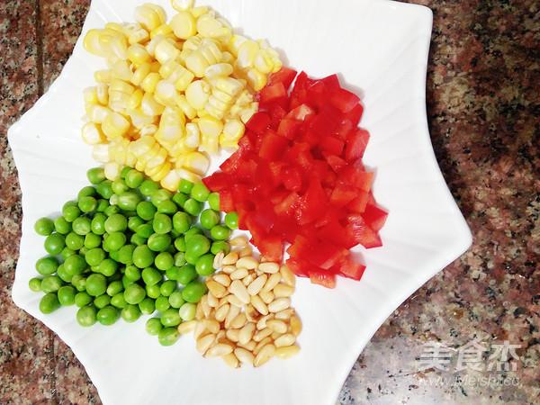 松仁玉米炒豌豆的做法图解