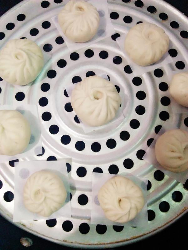 杏鲍菇葱香包子的制作