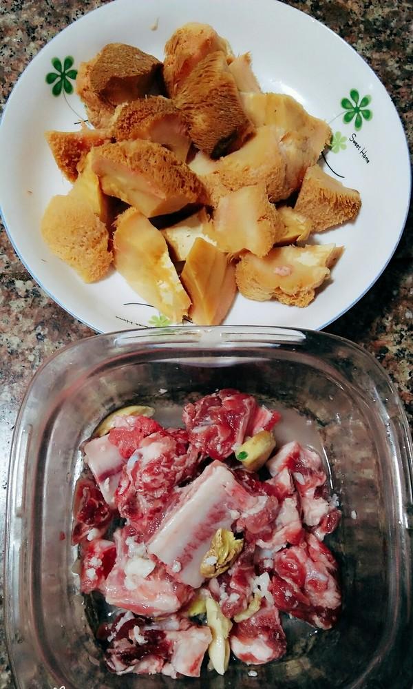 排骨红烧猴头菇的简单做法