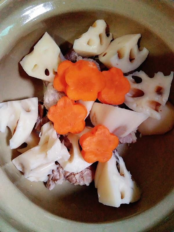 排骨胡萝卜藕汤怎么吃