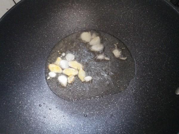 午餐---芹菜鲫鱼的家常做法
