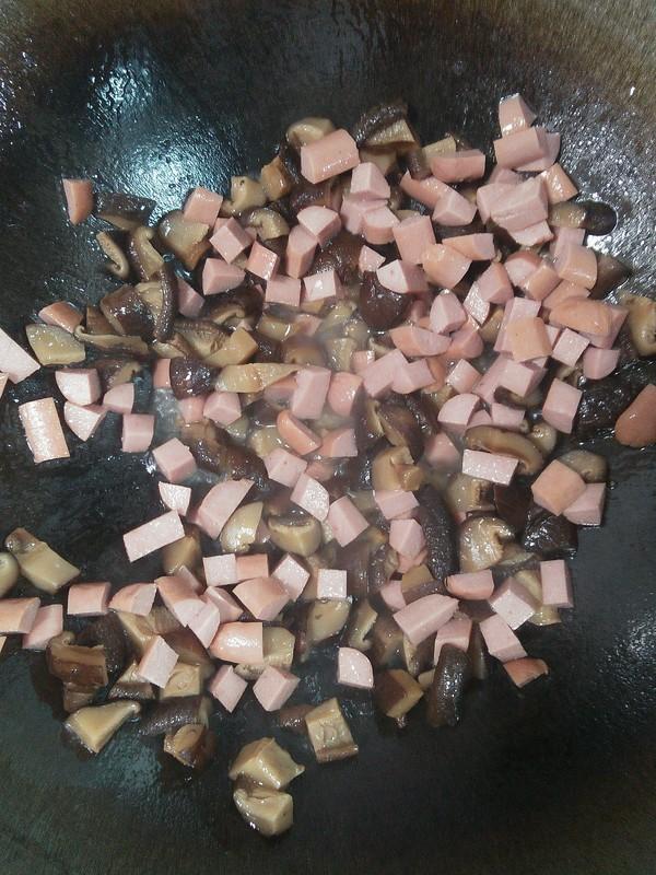 咸蛋黄粽子的家常做法