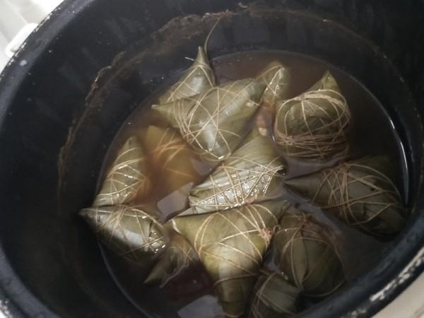 咸蛋黄粽子的做法大全