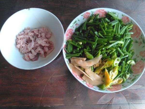 韭菜花炒猪肉丝的做法大全