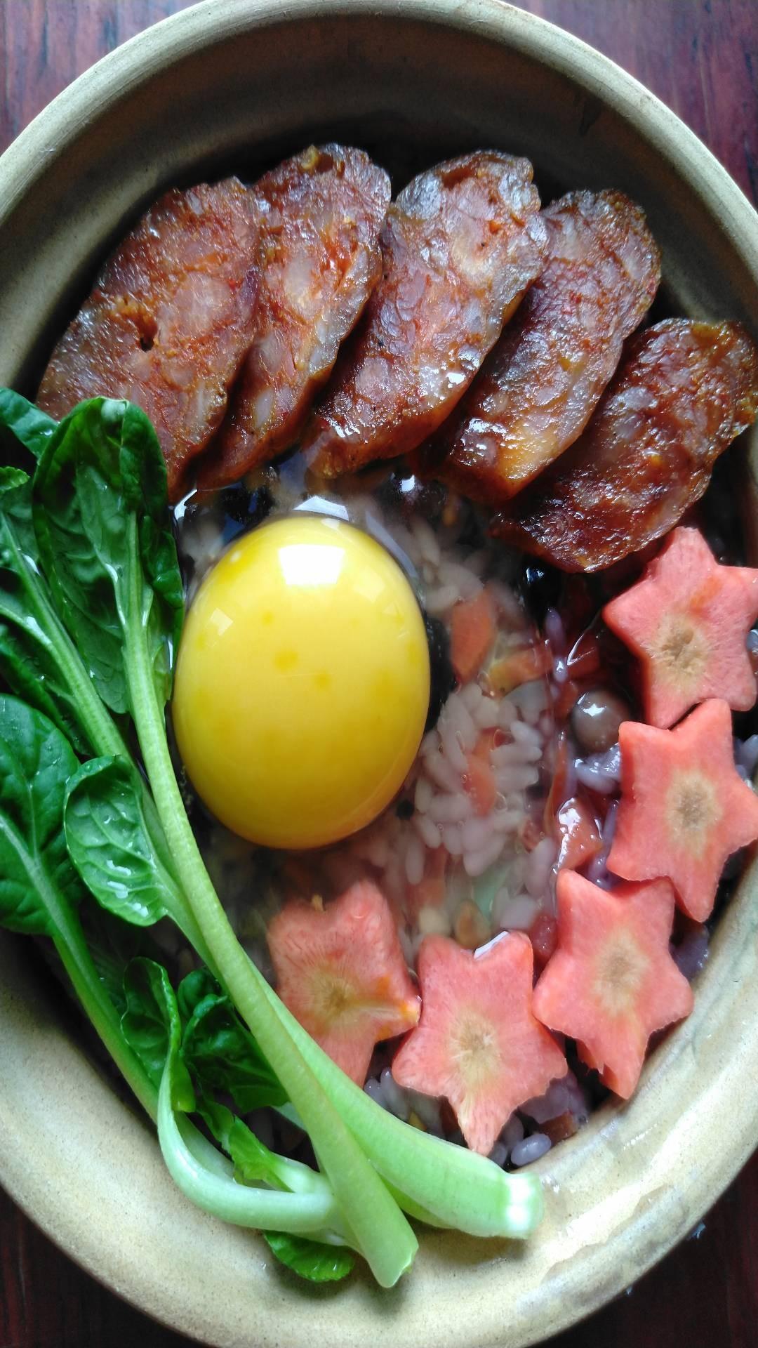 香肠焖谷米饭怎么煸