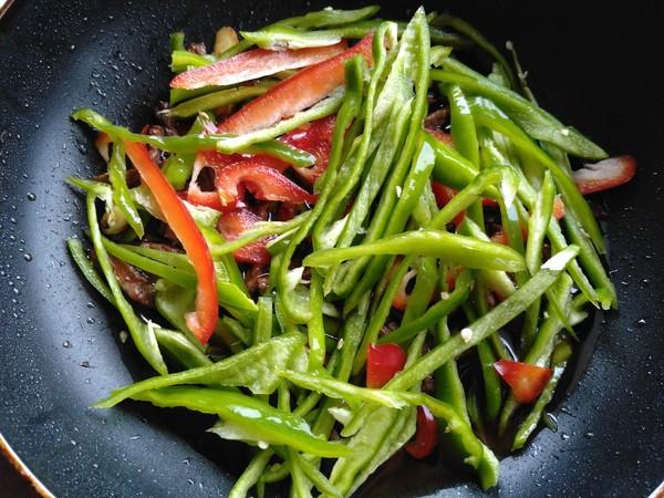 彩椒牛肉丝怎么吃