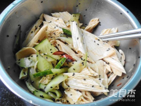 黄瓜拌腐竹怎么炖