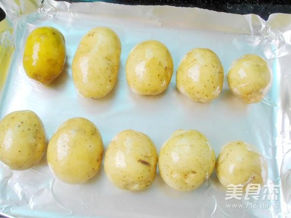 双烤小土豆的做法图解