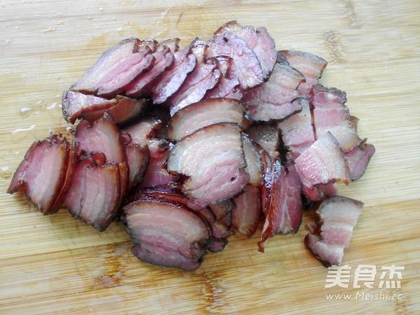 蒜苗炒腊肉怎么吃