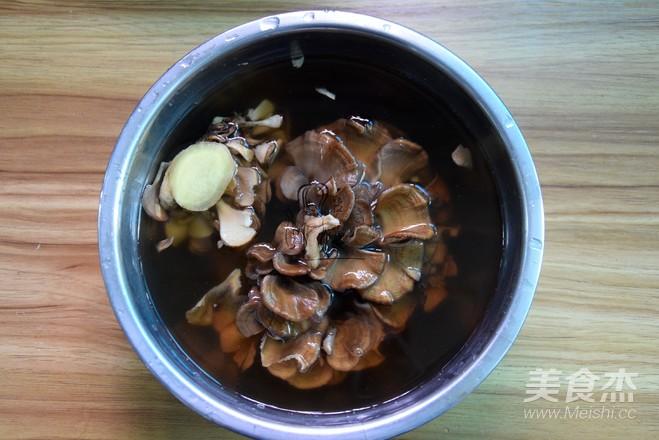 灰树花鲜鲍鱼鸡汤的做法图解