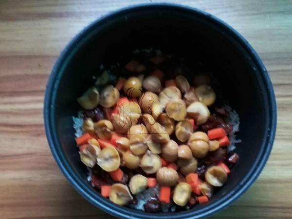 腊肠栗子焖饭怎么煮