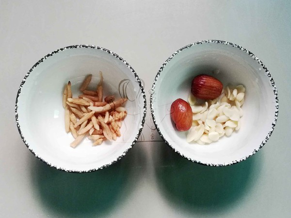 麦冬雪梨瘦肉汤的家常做法