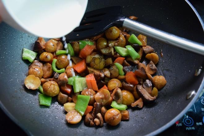 蘑菇烧栗子怎么煮