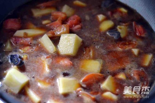 西红柿香肠炖土豆怎么炒