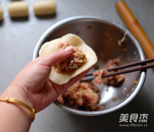 平底锅版榨菜鲜肉月饼怎样煮