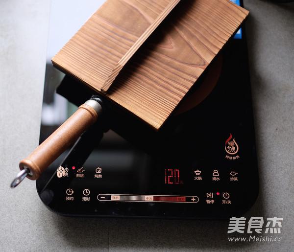 平底锅版榨菜鲜肉月饼的制作方法