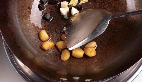 金银蛋浸菠菜怎么做