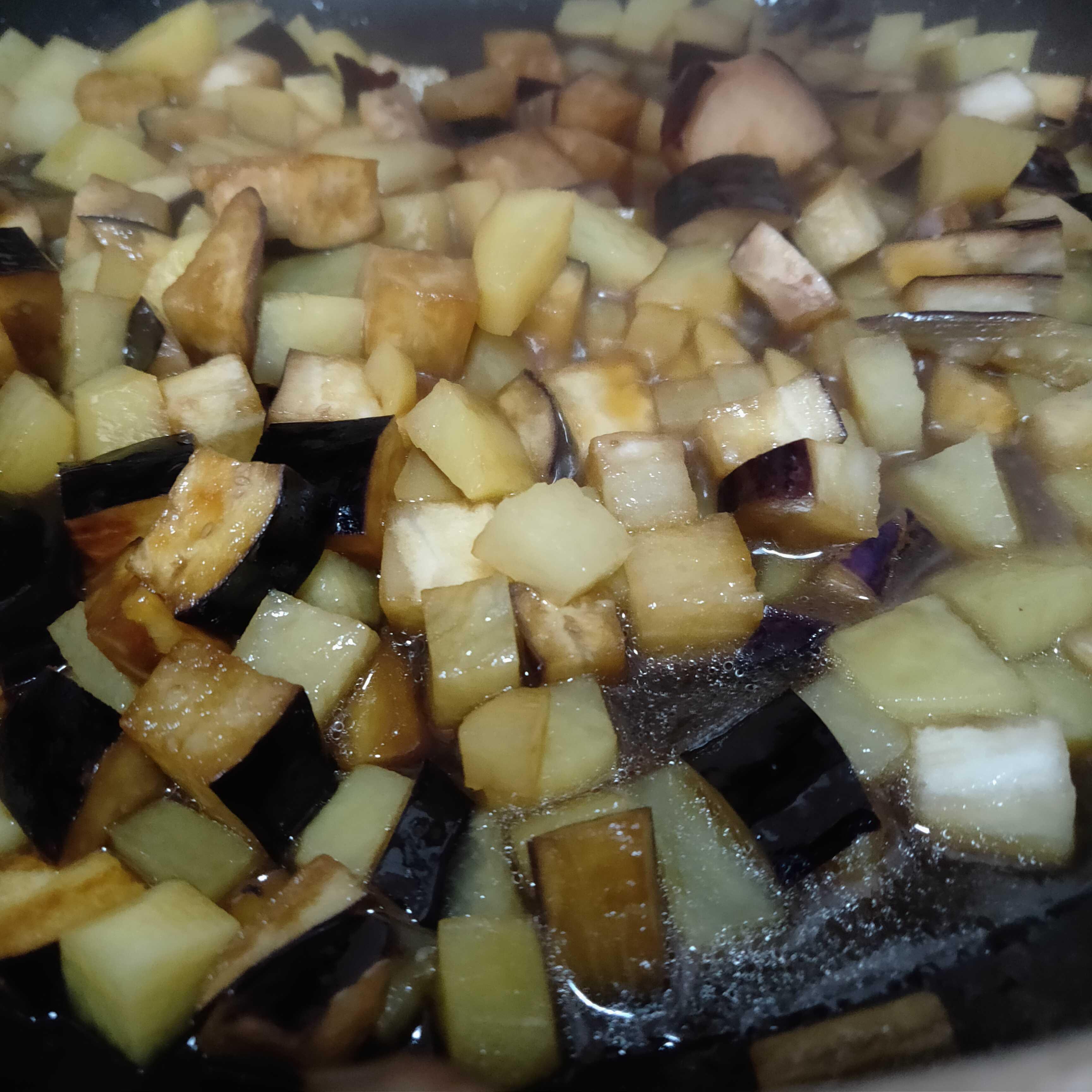 茄子炖土豆的家常做法