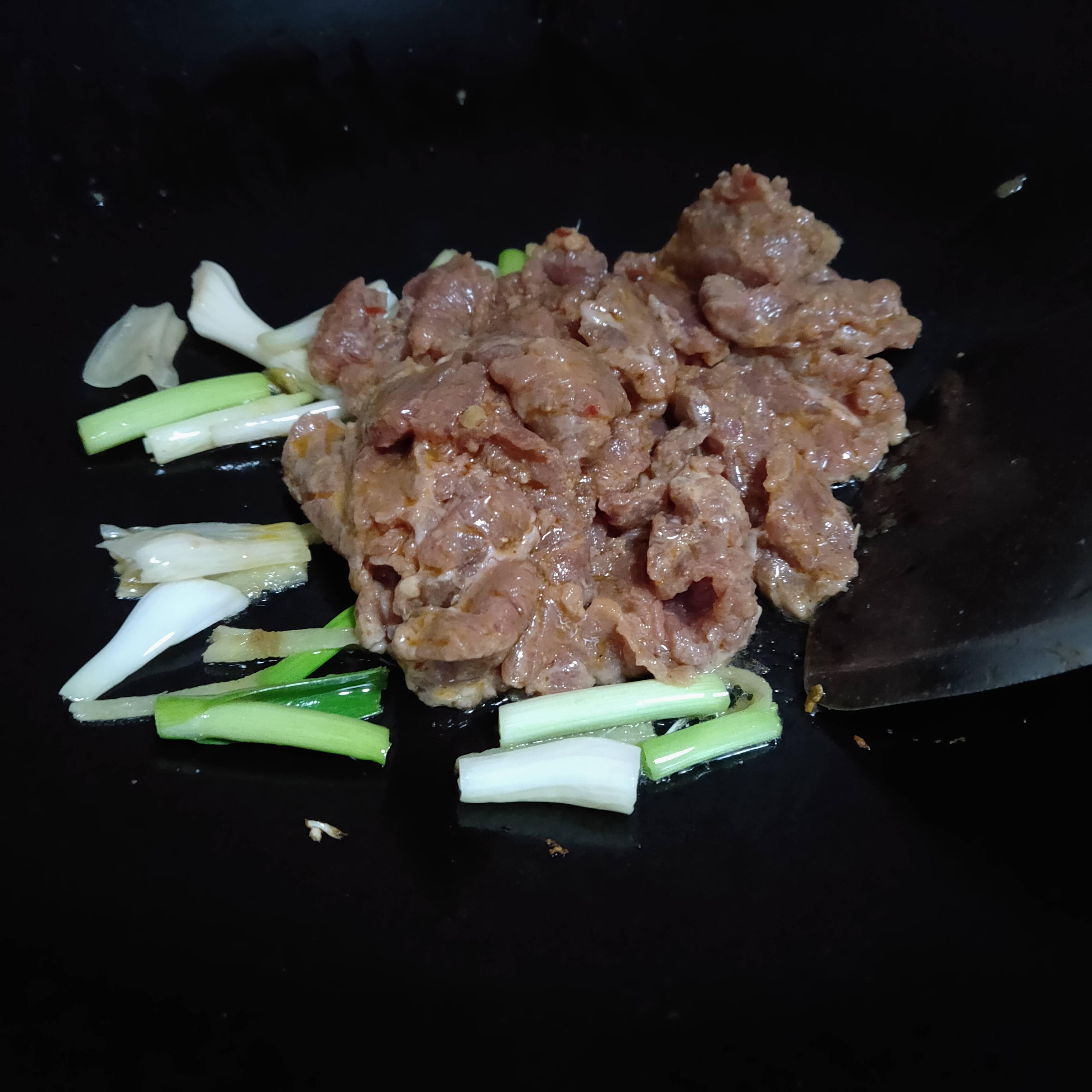 炒牛肉的简单做法