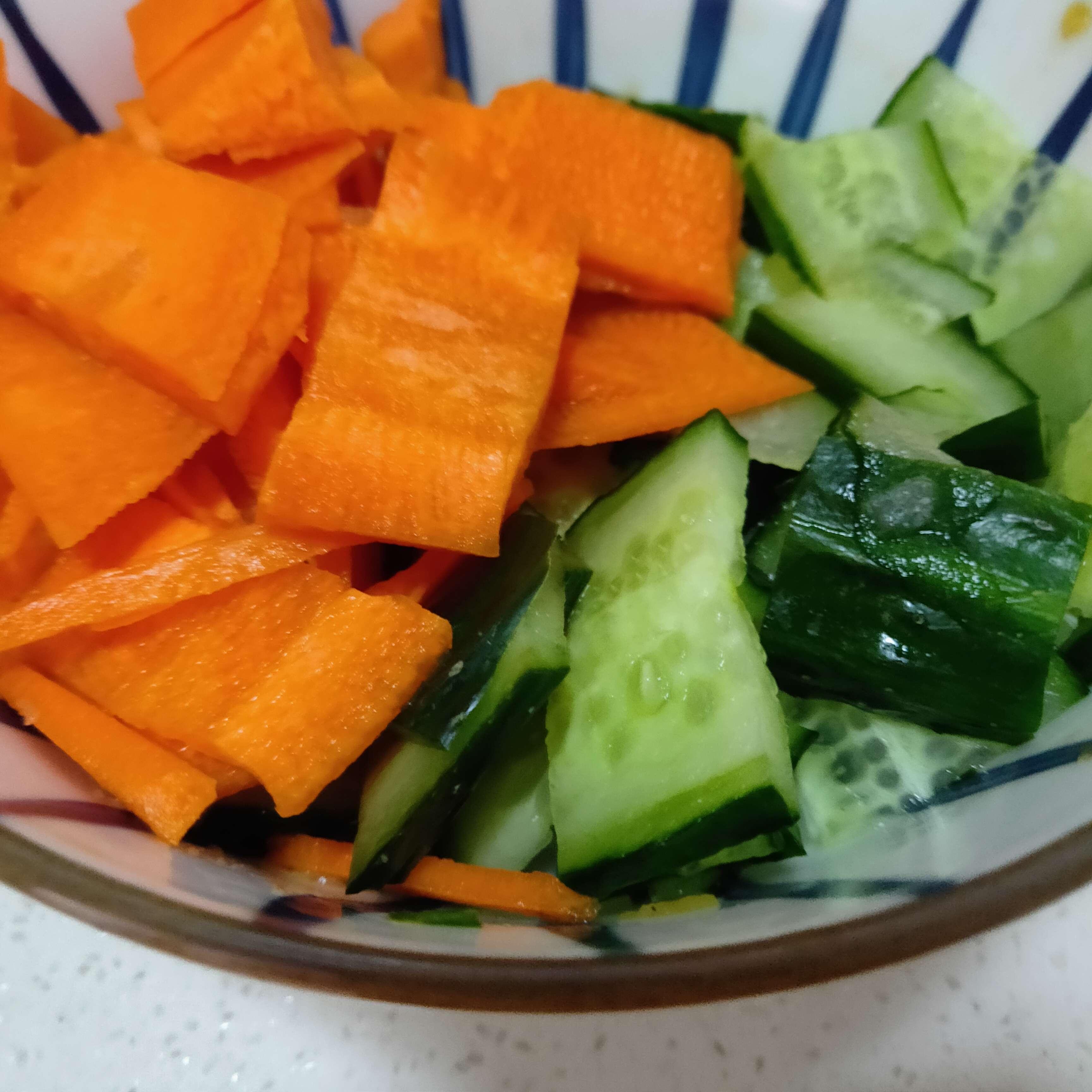 胡萝卜炒黄瓜的做法大全
