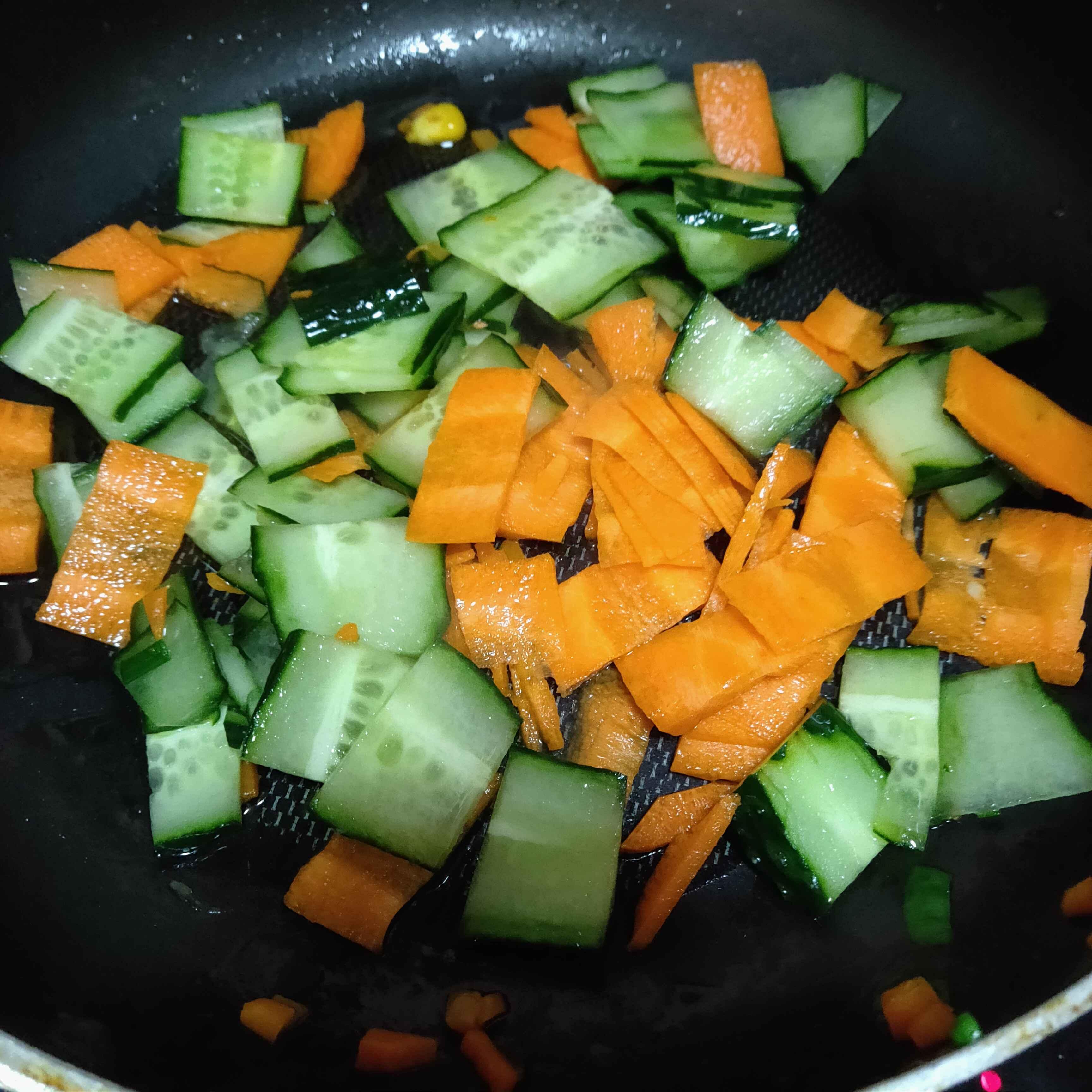 胡萝卜炒黄瓜的做法图解