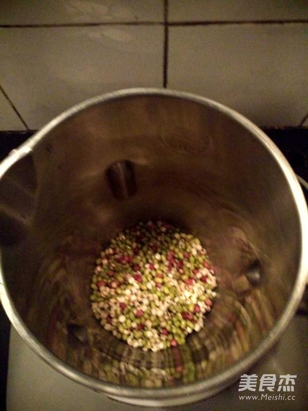 红豆绿豆薏米糊的做法图解