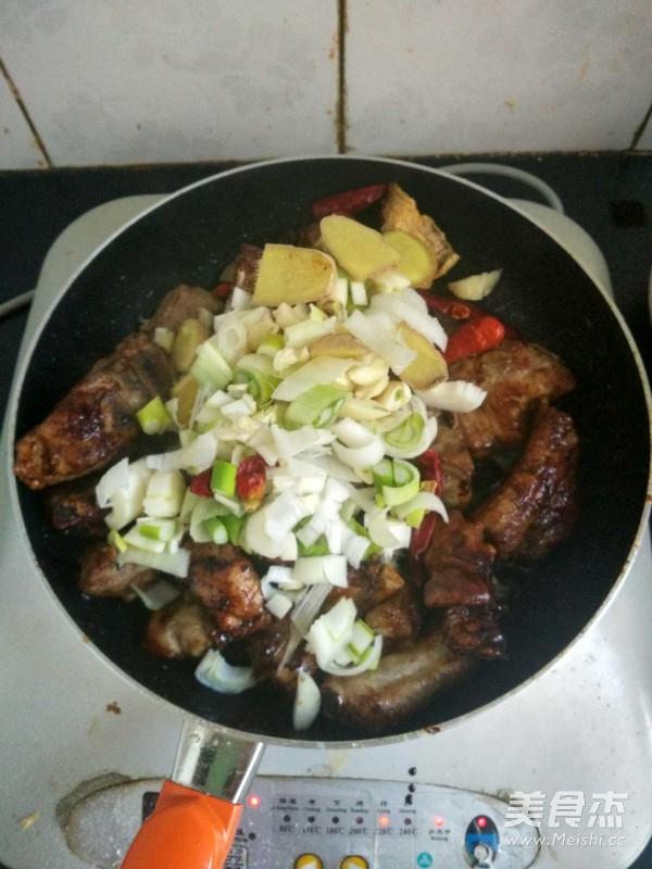 排骨酸菜怎么做