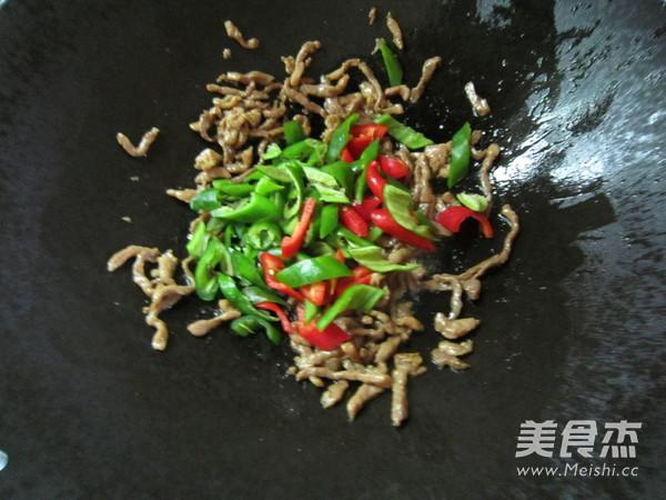 双椒炒肉丝怎么吃