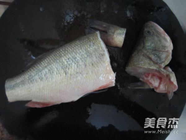 豉香蒸鲈鱼的做法图解