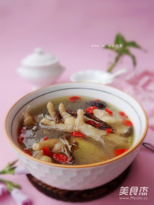 苏泊尔·中华炽陶红枣当归炖鸡汤成品图