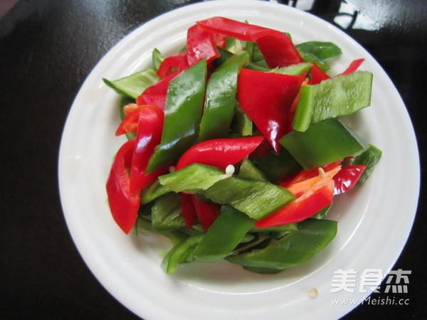 双椒炒肉丝的家常做法