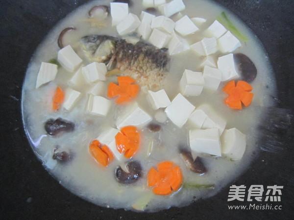 香菇豆腐鲫鱼汤怎么煮