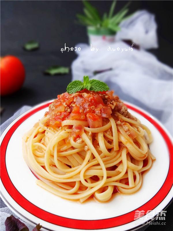 番茄肉酱意面成品图
