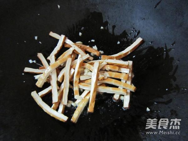 双椒炒熏干的简单做法