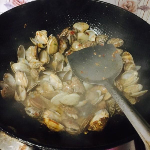 酱爆花蛤怎么吃