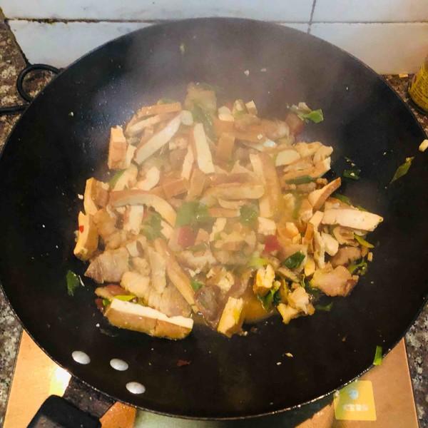 香干回锅肉怎么煮