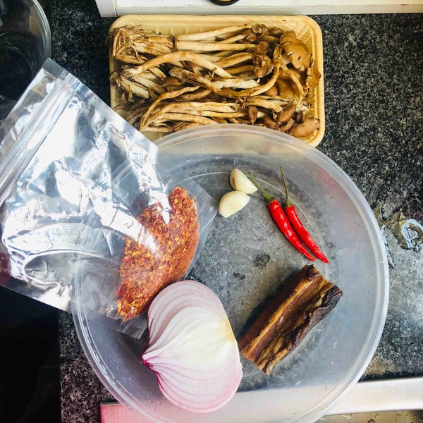 腊肉茶树菇的做法大全