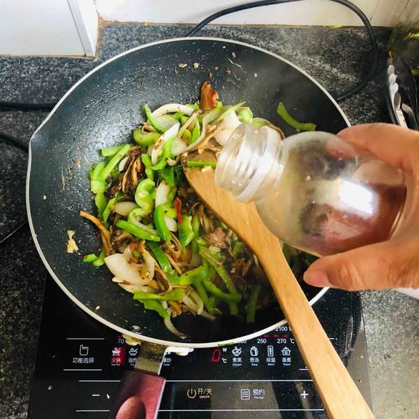 腊肉茶树菇怎样煸