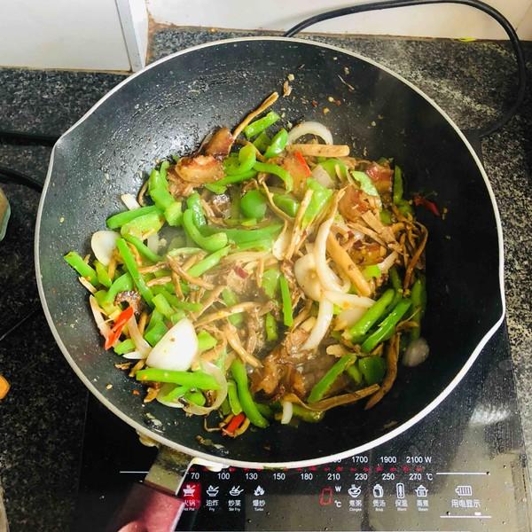 腊肉茶树菇怎样做