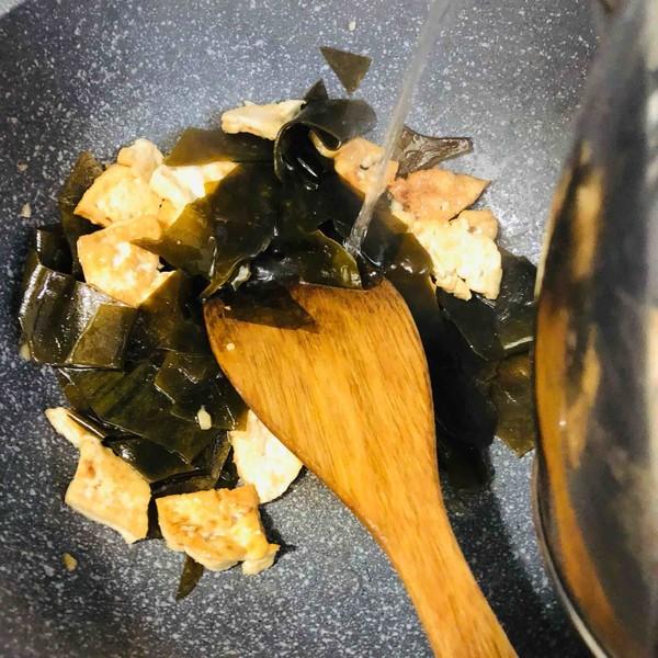 海带炒豆腐怎么做