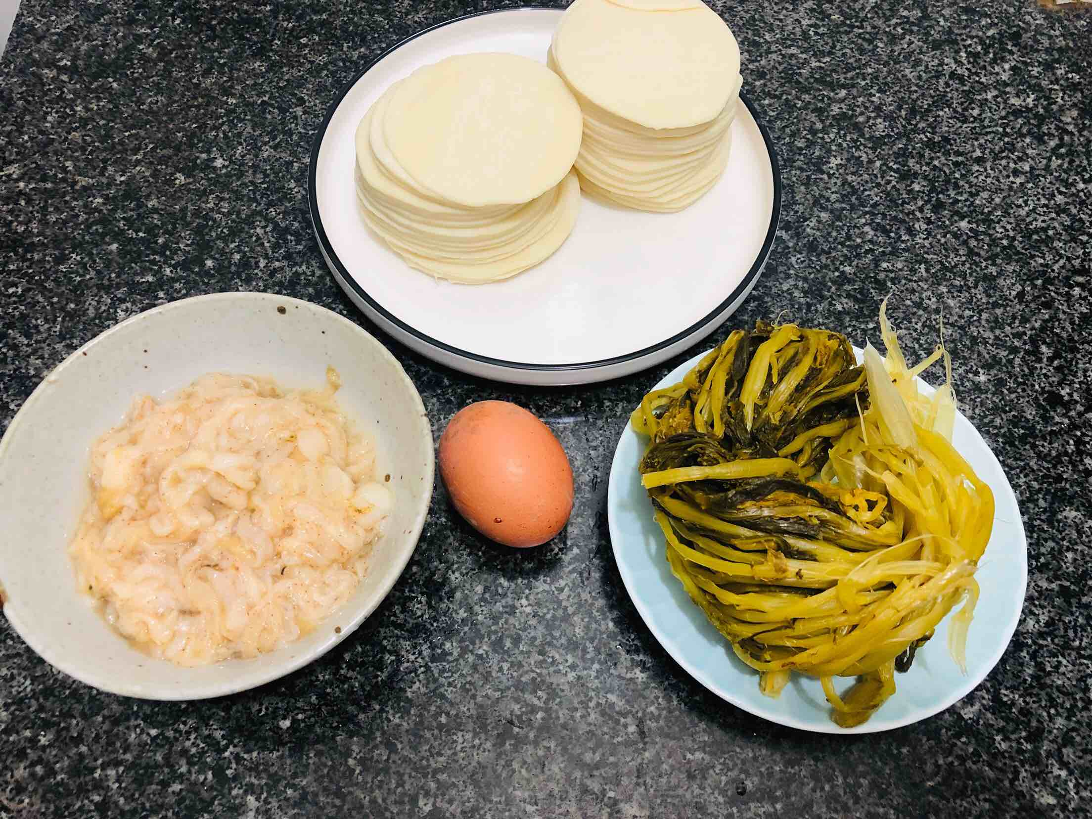 扇贝酸菜馅饺子的步骤