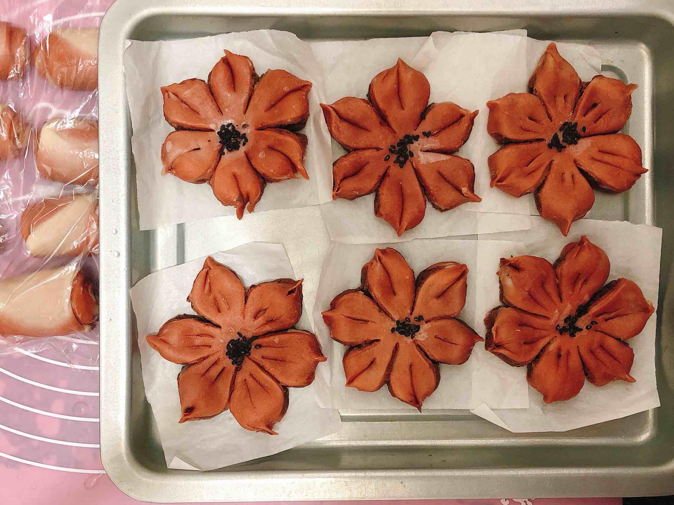 桃花酥:灼灼桃花十里,取一朵放在心上,四海八荒只为你。的做法大全