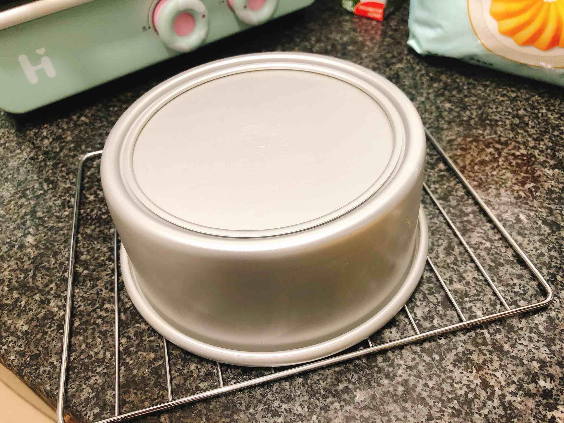 奶香浓郁的戚风蛋糕(6寸)的做法大全